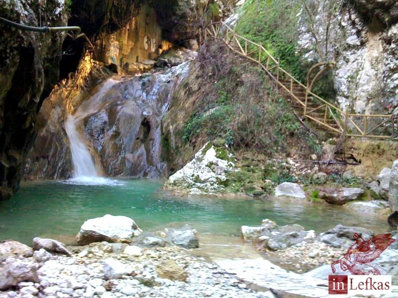 Lefkada-Cascada-Dimossari- -waterfalls