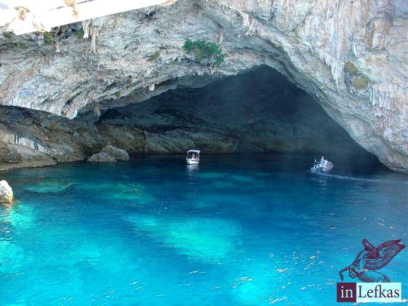 Papanikolis-cave-lefkada